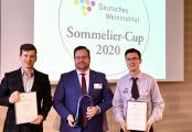 Die Gewinner des DWI-Sommelier-Cups 2020:  Sebastian Lübbert aus Stuttgart (2.Platz); Maximiliam Wilm aus Hamburg (1. Platz); Patrick Wilhelm aus Bensheim (3.Platz). (v.l.n.r.)