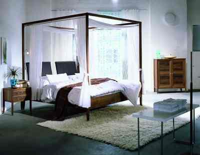 das himmelbett ein evergreen der landhauskultur wird. Black Bedroom Furniture Sets. Home Design Ideas