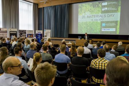 Rund 130 Teilnehmerinnen und Teilnehmer aus Unternehmen und Hochschulen nahmen am 20. Materials Day an der Hochschule Osnabrück teil. (Foto: Jan Rüter, Hochschule Osnabrück)
