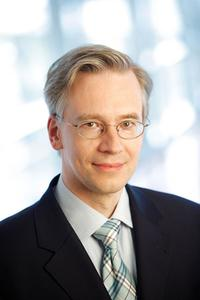 Prof. Dr. Thomas Weischer, Leiter des Implantatzentrums der Kliniken Essen-Mitte