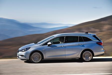 Auto des Jahres 2016: Seit April sorgt mit dem Sports Tourer die Kombi-Variante des Opel Astra für zusätzlichen Aufschwung