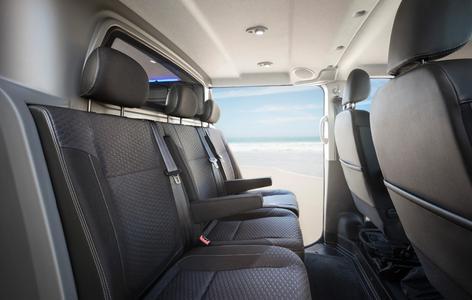 Schöner reisen: Gehobenes Pkw-Flair schafft das Tourer-Paket von Irmscher, das bereits für die Serienversion des Vivaro angeboten wird
