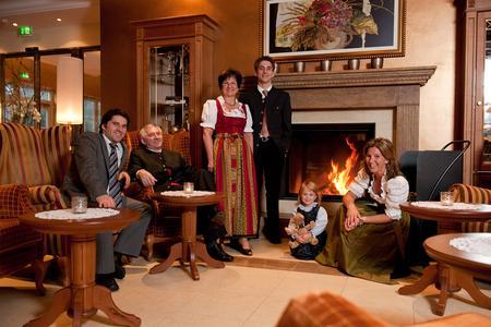 Wellnesshotel in Bodenmais: Hotel Mooshof ****superior 1912- 2012; Foto Tourismus-Marketing Bayerischer Wald