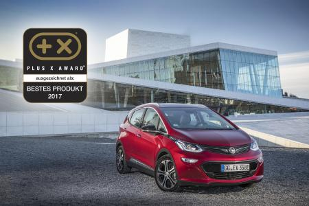 """In jeder Hinsicht wegweisend: Die internationale Fachjury des Plus X Award kürte das revolutionäre Elektroauto Opel Ampera-e zum """"Besten Produkt des Jahres 2017"""""""