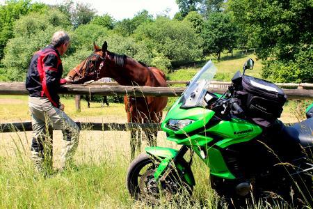 Start in den Motorrad-Sommerurlaub!