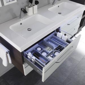 Schminktisch und individuelles Ordnungssystem für Schubladen (Foto: Pelipal)