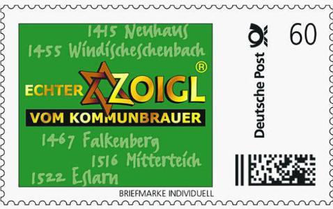 Den Hochburgen des Zoigl-Biers in der Oberpfalz gewidmet: In Neuhaus, Windischeschenbach, Falkenberg, Mitterteich und Eslarn wird bis heute die Tradition des Zoigl-Biers – der Hausbrauerei mit Ausschank im eigenen Wohnzimmer gepflegt. Der Zoigl-Stern vor dem Haus ist eine Einladung: Hängt er vor dem Haus, ist jeder Bierliebhaber willkommener Gast. Foto: obx-news/Deutsche Post