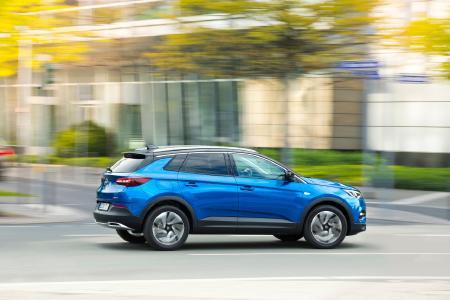 Schickes Styling: Der neue Opel Grandland X verbindet einen sportlichen Style mit knackigen Proportionen und viel Platz