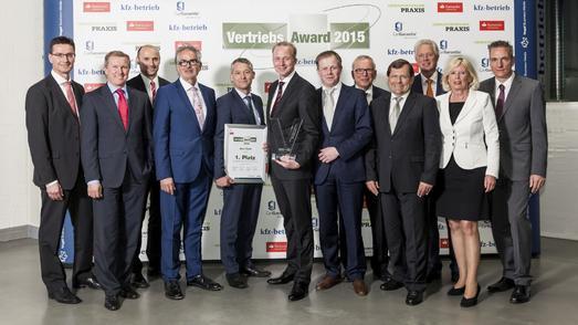 """Die Gewinner des """"kfz-betrieb""""-Vertriebs-Awards 2015: Auto Saxe aus Leipzig. (Fotohinweis: Bausewein)"""