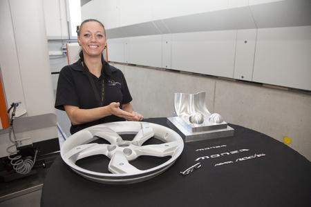 Maßarbeit: Die neuen Fräsen können auch Aluminium-Räder für Studien und Prototypen herstellen. Foto Opel AG
