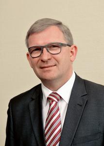Geschäftsführer Hartmut S. Pirl freut sich: »2014 war für die Seminaris- und avendi-Hotels das erfolgreichste Geschäftsjahr!«