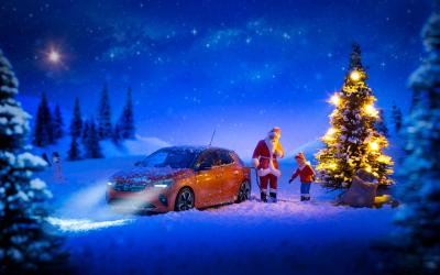 New Opel Corsa-e Keeps The Lights On at Christmas