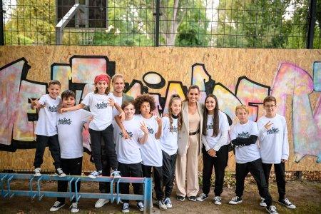 Zum diesjährigen Weltkindertag: TK Maxx und Children for a better World e.V. setzen Zeichen für soziales und kulturelles Engagement