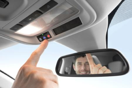 Sicher eingeparkt: Die Rückfahrkamera hilft im neuen Opel Grandland X beim Rangieren in oder aus Parklücken