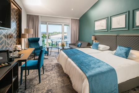 Im Juli hat das Best Western Plus Kurhotel an der Obermaintherme in Bad Staffelstein seine vier neuen Penthouse Suiten und drei Executive Zimmer (siehe Bild) eröffnet, die auf einer neuen Etage des Nordflügels entstanden sind