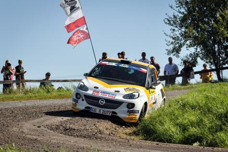 Starkes Auto für die Rallye-Junior-EM 2017: Der Opel ADAM R2, hier das Wettbewerbs-Fahrzeug des Engländers Christopher Ingram