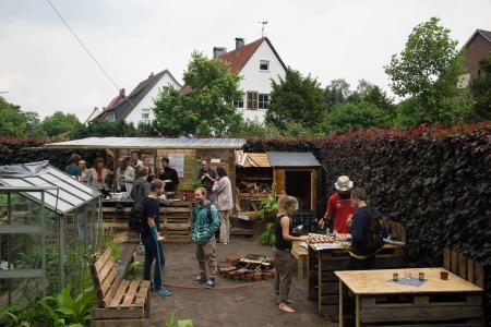 Studierende aller Fakultäten beteiligen sich am Gemeinschaftsgarten auf dem Campus Haste der Hochschule Osnabrück