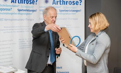MedTec-Geschäftsführer Axel Muntermann mit Dr. Maren Van de Perck