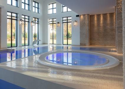 ssf pools by klafs vierfach erfolg beim bekanntesten und ltesten schwimmbad preis klafs gmbh. Black Bedroom Furniture Sets. Home Design Ideas