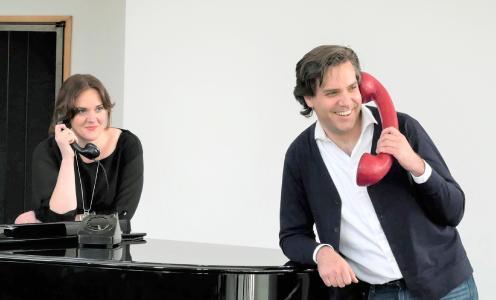 Jessica Muirhead (Sopran) und Karel Martin Ludvik (Bassbariton) gehören wieder zu den vier Ensemble-Mitgliedern des Aalto-Theaters, die sich mit kurzen Konzerten per Telefon beim Opernpublikum melden werden