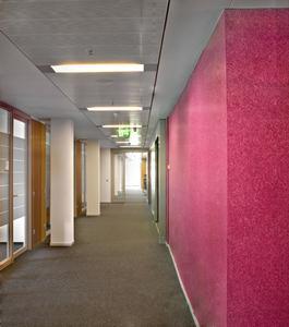 Professionelle Verarbeiter können selbst schier endlos langen Wänden mit FantasticFleece ein sympathisches Erscheinungsbild verleihen