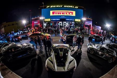 Zur Eröffnung der Pirelli P Zero World in Dubai fuhren über 60 Supersportwagen vor