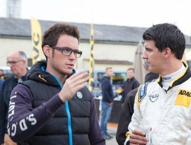 Schnelle Rallye-Brüder: Der belgische WM-Star Thierry Neuville (links) gibt Opel ADAM-Pilot Yannick Neuville wertvolle Tipps für die neue Saison.