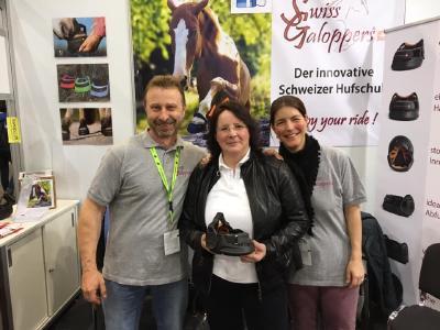 Swiss Galoppers   Auch Gisela Gesk vom GG   Reitsportartikel war als Premium Händlerin der Swiss Galoppers vor Ort.