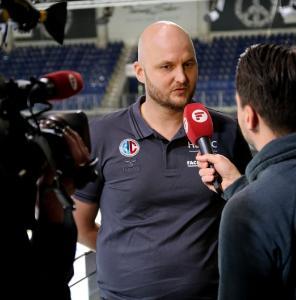 HC Erlangen: Pressekonferenz für den neuen Cheftrainer Adalsteinn Eyjolfsson / Foto: HJKrieg, hl-studios, Erlangen