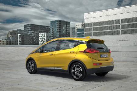 Gestaffelter Marktstart für den Opel Ampera-e: Auf Norwegen folgen 2017 Deutschland, die Niederlande, Frankreich und die Schweiz