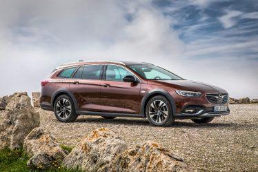 Abenteurer der Insignia-Familie: Der neue Opel Insignia Country Tourer feiert auf der IAA in Frankfurt Weltpremiere und will die Kunden als stylisher wie praktischer Kombi im Offroad-Look überzeugen – und mit neuem Spitzendiesel