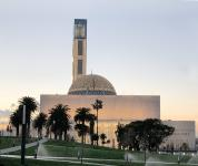 A minaret from Germany: In Algiers the world's third largest mosque opens its doors for the first public Friday prayers