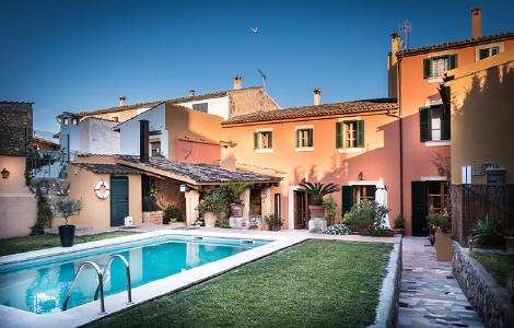 Petit Hotel Alaro Patio Pool Garten