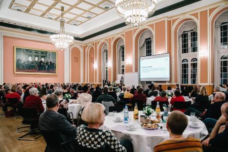 Dankesfeier für die Freiwilligen im Wappensaal des Roten Rathauses