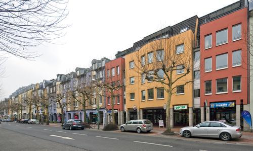 Durchdachtes Farbkonzept: Im Bonner Stadtteil Poppelsdorf wurde ein ganzer Straßenzug in enger Zusammenarbeit mit der Farbgestalterin Kirstin Bachmann neu gestaltet, Foto: Caparol Farben Lacke Bautenschutz