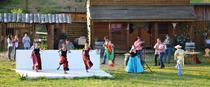 Linstower Indianershow: Hunderte Kinder folgten Einladung zur Abschlussvorstellung