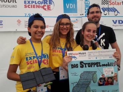 strahlende Bronzemedaillen-Gewinner: Team Stoppel-Mobil aus Pinneberg