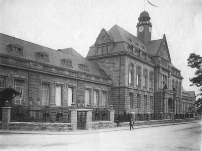 Das ehemalige Hauptverwaltungsgebäude Q 26., Foto: Bayer AG