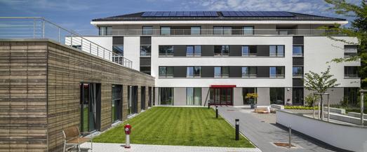 Eine der ersten Gesundheitsbauten mit DGNB-Siegel in Deutschland: das sysTelios-Gesundheitszentrum im Wald-Michelbacher Ortsteil Siedelsbrunn im Vorderen Odenwald