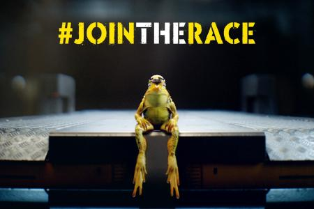 "Full of expectation: At the moment the frog is still sitting calmly but that changes very quickly in the new racy Opel social video, which can be seen on the campaign page ""Join the Race!"""