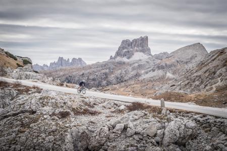 Gravelbiken in den Dolomiten. @Paola Finali