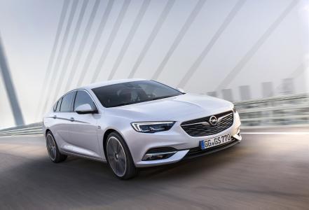 """Traumschönes Flaggschiff: Der neue Opel Insignia Grand Sport begeistert beim Plus X Award 2017 mit seinem sportlich-eleganten """"Design"""", aber auch mit """"High Quality"""" und """"Funktionalität"""""""