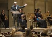 Prof. Ulrich Rademacher, Bundesvorsitzender des VdM, verlas das Grußwort von Bundesfamilienministerin Dr. Franziska Giffey zum Konzert der Deutschen Streicherphilharmonie im Konzerthaus Berlin