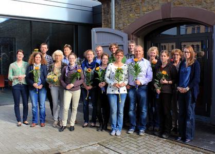 1: Dr. Marion Wulf, Leiterin Akademische Personalentwicklung (2. von rechts), mit ihrem Team und den Teilnehmerinnen und Teilnehmern des 3. WIMHOS-Programms