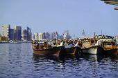Glitzernde Extravaganz und orientalischer Zauber: Die V.A. Emirate beeindrucken mit großartigen Kontrasten