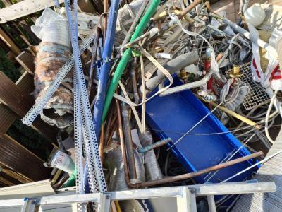 Fahrende Schrotthändler aus Bochum sammeln jeden Schrott