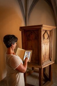 Gotische Holzkanzel - die einzige, die aus dem Mittelalter noch erhalten ist