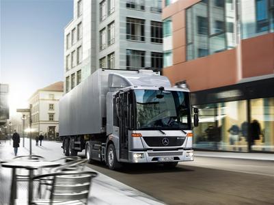 Multifunktionale Fahrzeuge mit innovativen Aufbauten und zukunftsorientierten Antrieben sind auf dem Messestand 321 der Daimler AG in der Halle C4 sowie auf Aktionsflächen im Freigelände zusehen: Econic