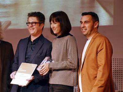 Alessi und Gassner-Redolfi bei der Preisübergabe in Wien / Foto: Darko Todorovic