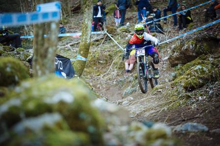 Auch die Walenstadter Downhillerin Carina Cappellari (im Bild beim diesjährigen Worldcup in Lourdes (F) gehörte einst zu den kleinen Cracks beim Cross Country Race. (Bild Duncan Philpott)